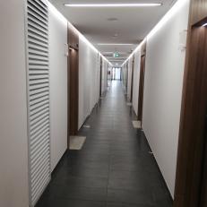 KW / 700x2100 / RAL9016 / ramka 50mm / montaż W1 / miejsce: etap E kompleksu mieszkaniowego Bliska Wola w Warszawie